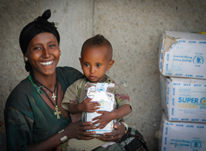 Mother and a child with wfp food