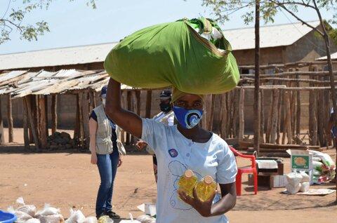 モザンビーク:国連WFPの自宅持ち帰り用の食料支援は子どもたちの命をつなぐ