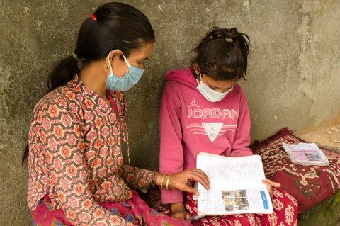 学校が閉鎖されても給食を届け続ける ―ネパールから