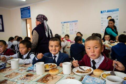 なぜコロナウイルスによって教育の再考をする必要があるのか―学校、健康、栄養の側面から