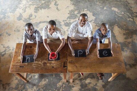 """虐殺から25年、ルワンダの""""いま""""を訪れる"""