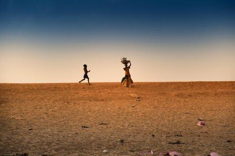 干ばつが招く食料不足、栄養不良、貧困、テロ