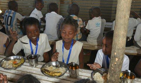 南マダガスカルで学校給食から広がる笑顔と希望