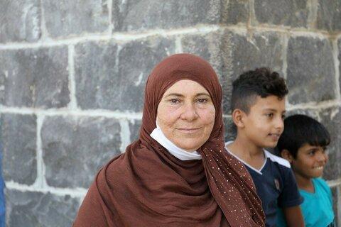 シリア:安全を求めて。女性とその家族の絶え間ない模索