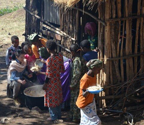 知花くららさん、エチオピアを訪問