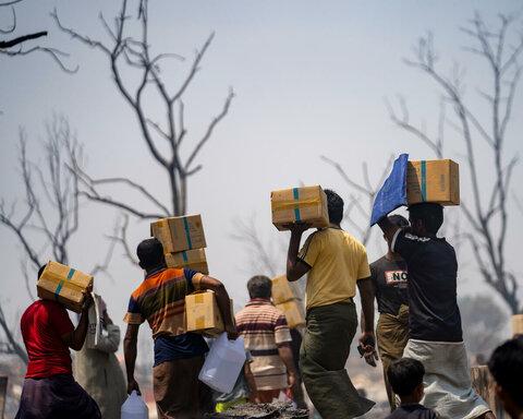 国連WFP、火災で住む場所をなくしたロヒンギャ難民を支援