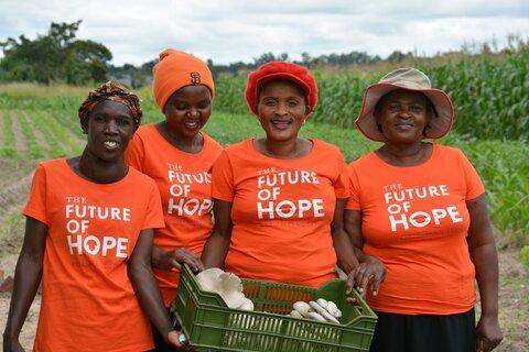 ジンバブエ:キノコ栽培は女性農民の自立を促進する