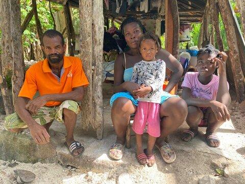 ハイチ地震:「今夜はまともな食事を」