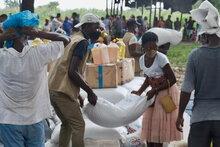 拡大するモザンビーク北部の紛争により、何千人もの人々が飢餓に直面